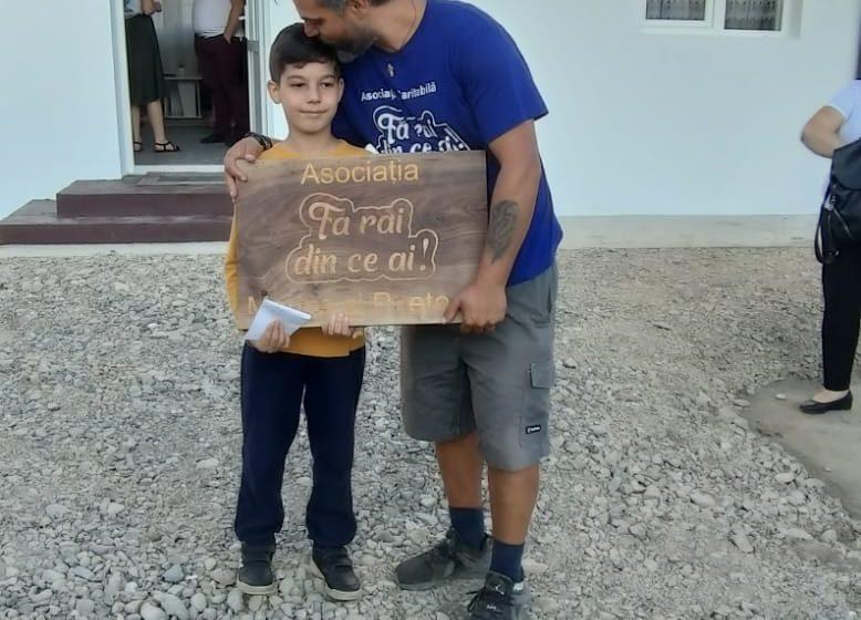 ( FOTO) CASA 6 A FOST FINALIZATĂ  De astăzi Ciprian, băiețelul din Sighetu Marmației rămas în grija bunicilor, are o casă nouă