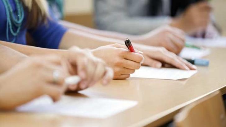 BAC   Sute de elevi își încearcă norocul la examenul de toamnă