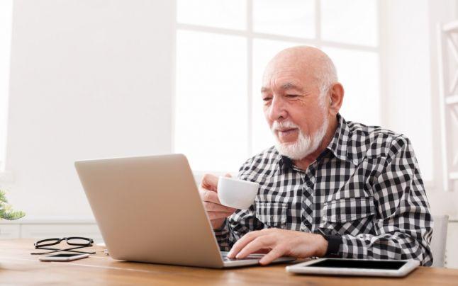 Pensionarea la 70 de ani şi interdicţia cumulării pensiei cu salariu, aprobate de Senat