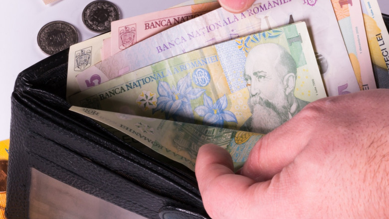 Salariul minim ar putea creşte cu 8-12%, înainte de sfârşitul anului