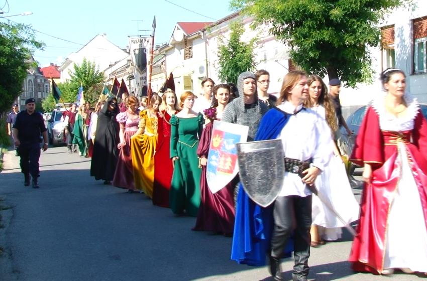 REPORTAJUL ZILEI | A X-a Ediție a Festivalului Medieval Eternul Maramureș