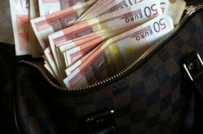 50.000 de euro au fost furaţi din maşina unui băimărean